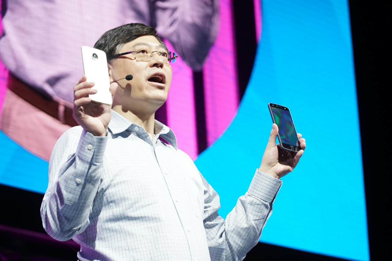 杨元庆/联想发布了全新的Moto Z摩磁手机(全球最薄的智能手机Moto Z和...
