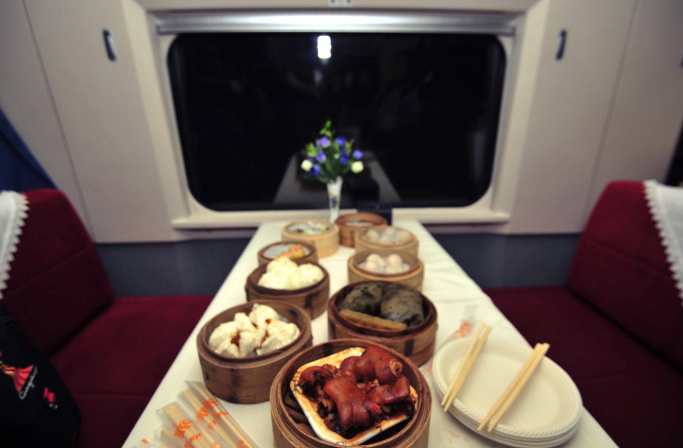 高铁上可以吃上各地美食_meitu_14