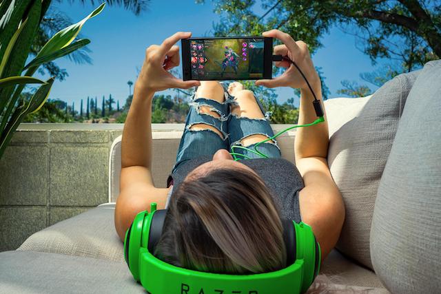 新发布的首款Razer Phone