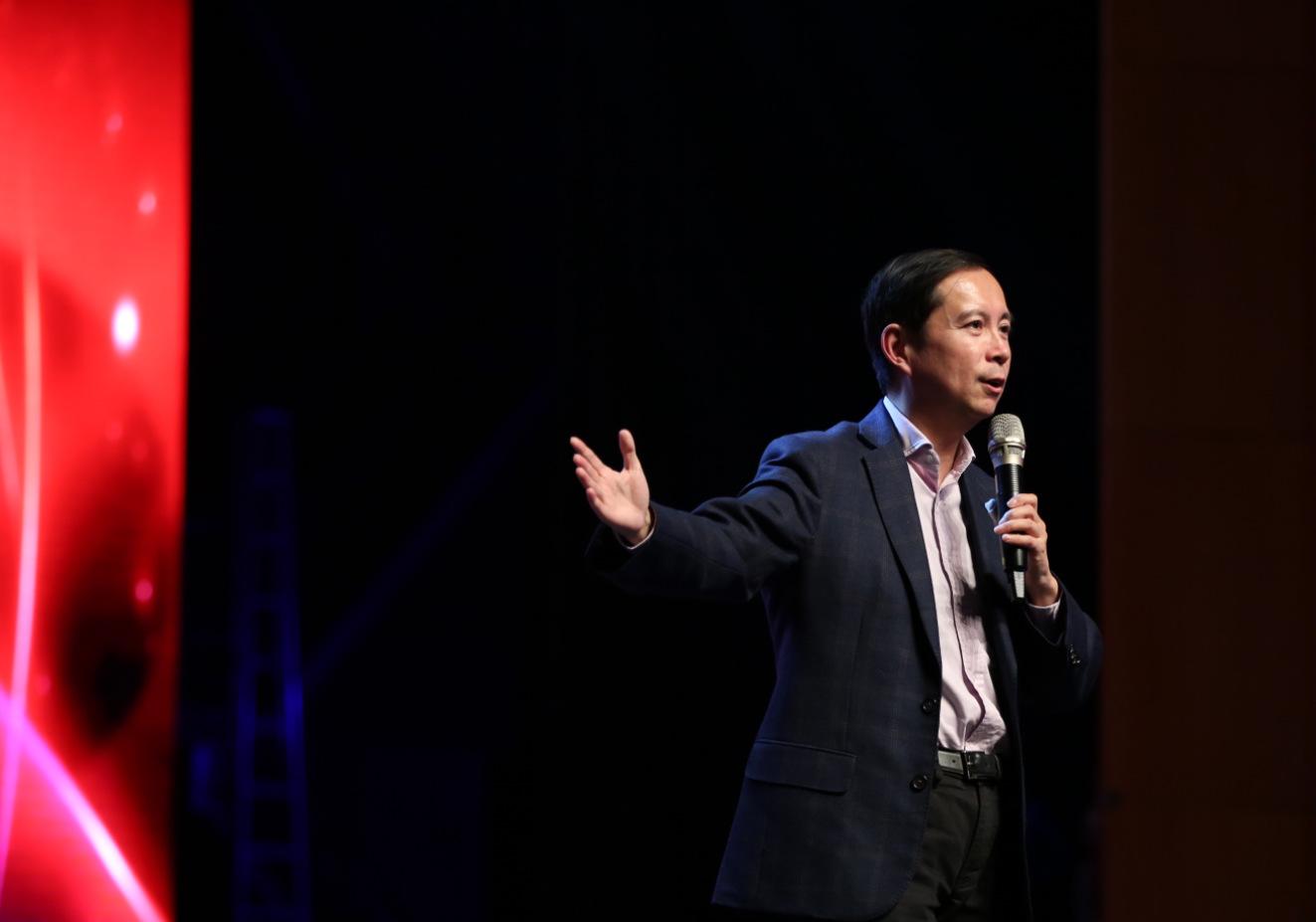 阿里巴巴CEO张勇:阿里巴巴与高鑫零售走到一起,是因为真正相信新零售_meitu_14