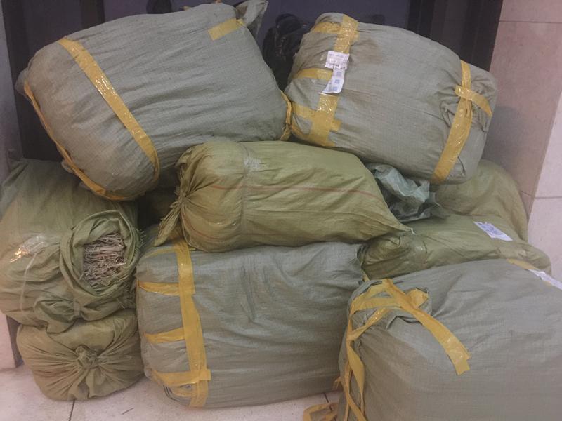 物业购买的10多包草垫