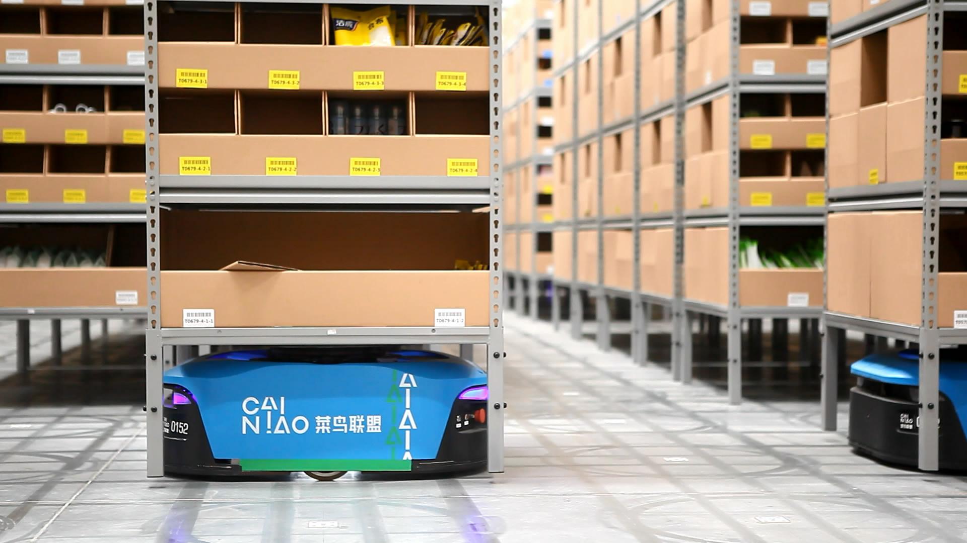 惠阳仓机器人照片2