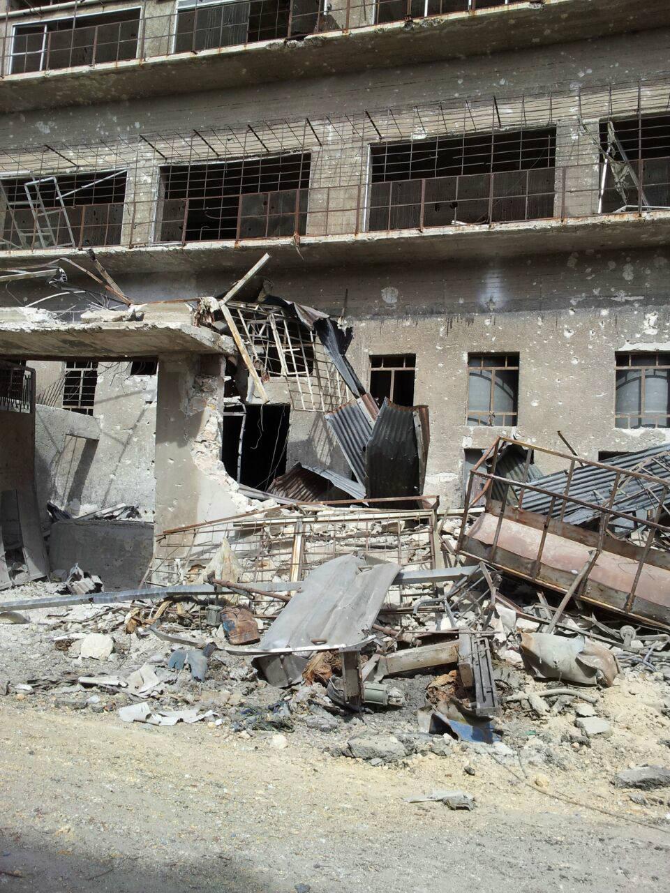 艾曼在阿勒颇的工厂被炸成废墟_meitu_5