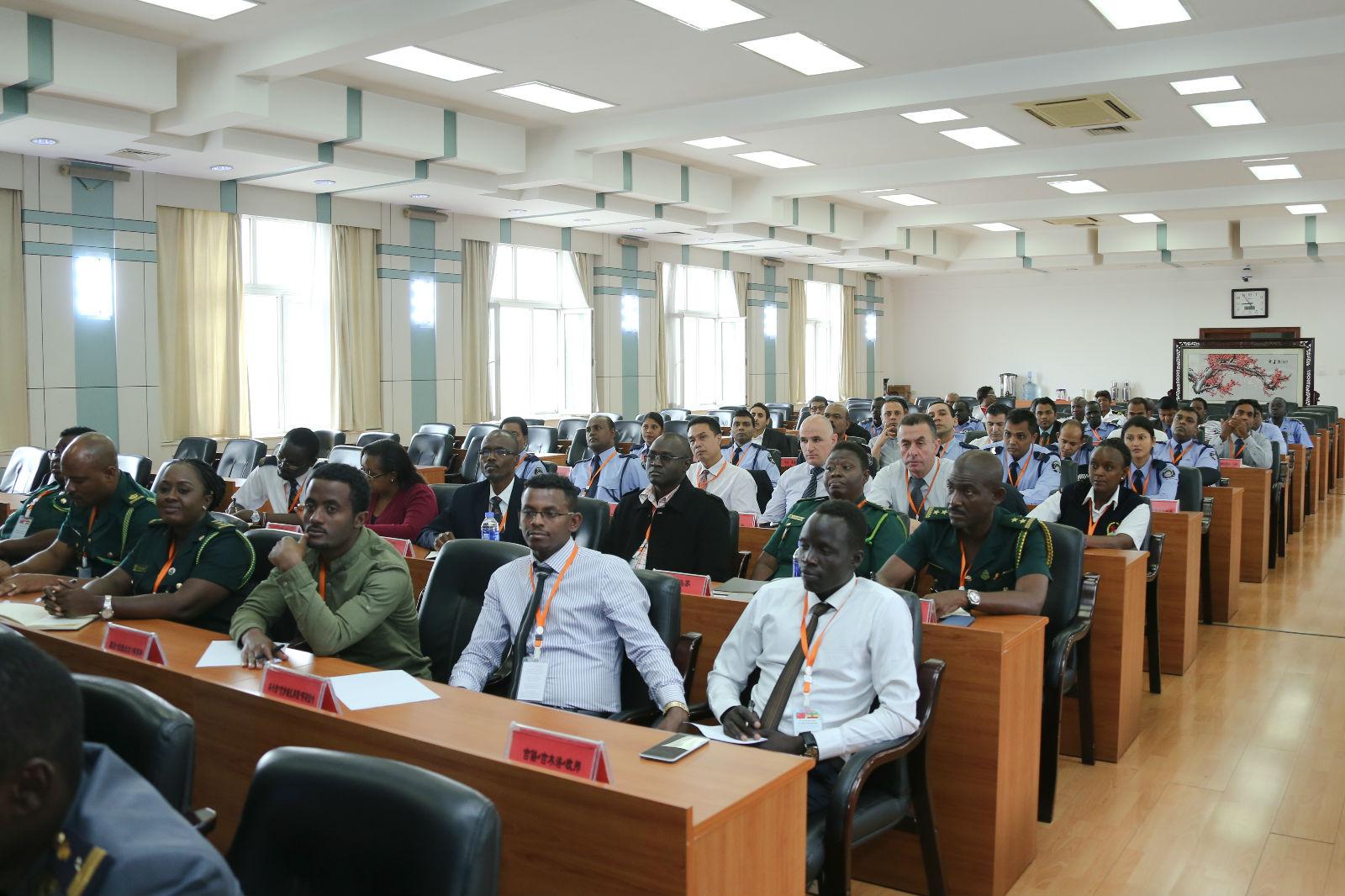 14个国家55名警官在中国刑警学院参加交流_meitu_6