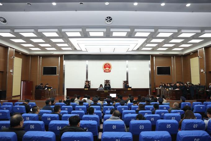 11月20日,东海县人民法院公开开庭审理彭某某等人销售假药案。来源:东海县人民法院。