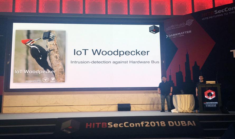 图说:阿里安全猎户座实验室专家五达(左一)在HITB上演讲_meitu_16