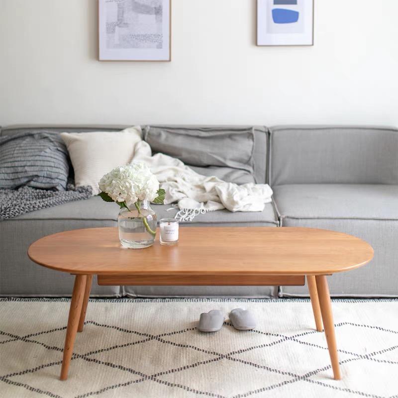 二黑木作设计的家具,这家以原创设计家具备受90后年轻人欢迎的淘宝商家,在今年淘宝双12一开场就卖掉了去年2.5倍