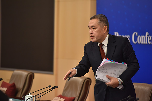 图说:国家市场监管总局局长张茅在记者会上。视觉中国_图
