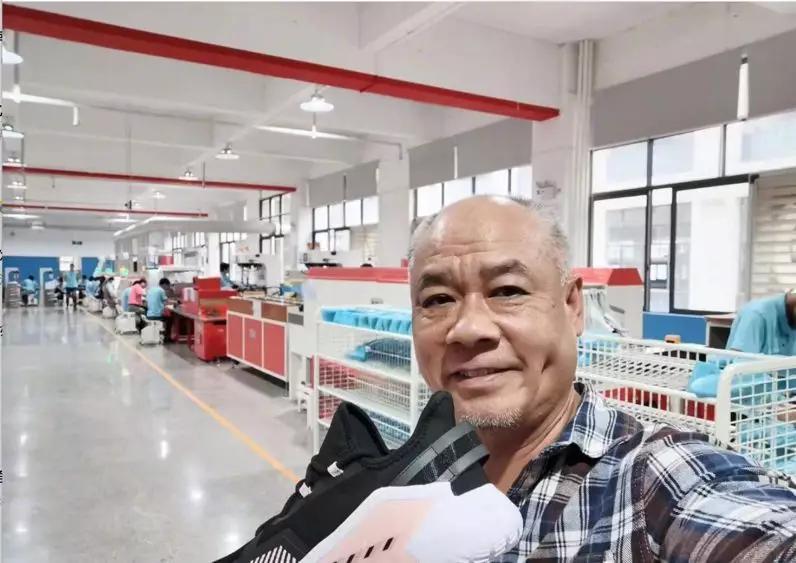 李宁创业故事_李宁又回来了:净利润增长196%,股价创8年新高