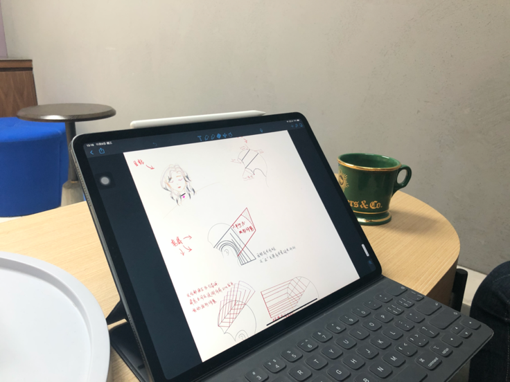 8、Amie手绘的技术分解图